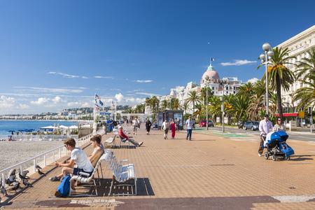 Des balades romantiques et des week-end en amoureux à Nice (Alpes-Maritimes).